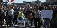 Protest gegen 3G: Arbeiter blockieren Hafen von Triest