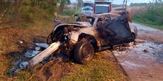 Vier Jugendliche verbrennen bei Unfall in Flammen-Auto