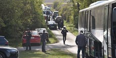 Zwei Flüchtlinge tot in voll besetztem Kleinbus entdeckt
