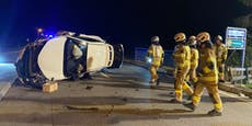 Alko-Lenkerin nach Crash aus Auto-Wrack befreit
