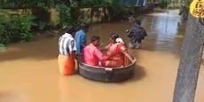 Starkregen: Brautpaar schwimmt im Kochtopf zur Trauung