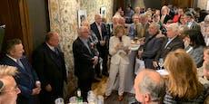 Wiener Star-Journalisten präsentieren Buch vor Promis