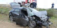 3 Notärzte bei Unfall mit Toter (25) und 3 Verletzten