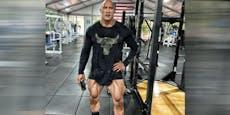 """Fans staunen: """"The Rock"""" zeigt seine Mucki-Beine"""