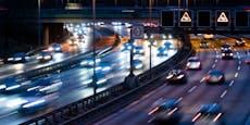 Mann flüchtet zu Fuß auf Autobahn und wird überfahren