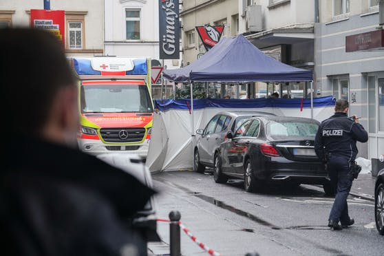 In Wiesbaden (D) ist es in der Nacht auf Montag zu einer Bluttat gekommen.