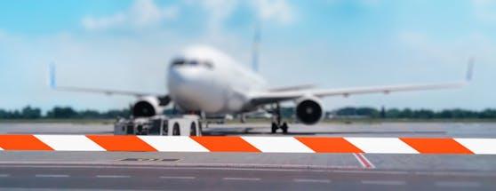 5G benutzt ähnliche Frequenzbänder wie die Höhenmesser von Flugzeugen. Das könnte die Sicherheit beeinträchtigen.