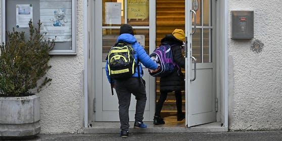 Die Schulen werden wieder geöffnet.