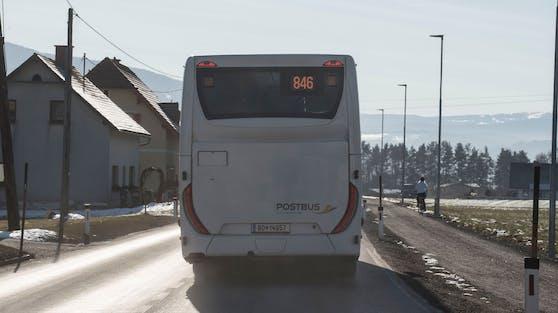 Ein ÖBB-Postbus in Graz. (Symbolbild)