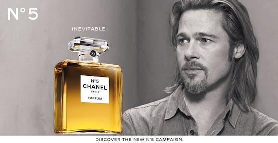 Als erster Mann war Brad Pitt Testimonial für ein Frauenparfüm.