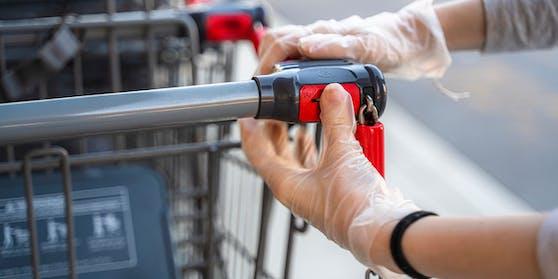 Braucht man für zum Entsperren des Einkaufswagerls bald keine Münze mehr?