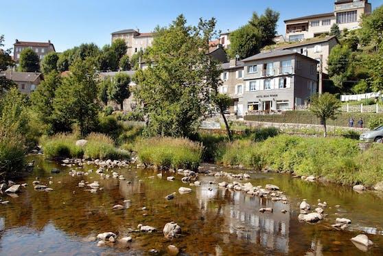 Chambon sur Lignon, eine kleine Ortschaft im Südosten Frankreichs, darf sich dank eines Österreichers über eine enorme Finanzspritze freuen.