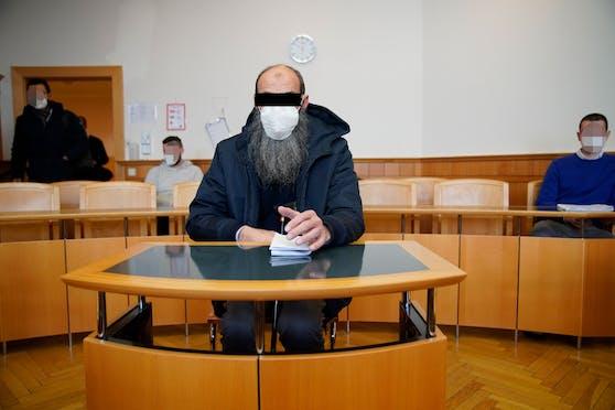 Der religiöse Prediger akzeptierte sein weltliches Urteil.
