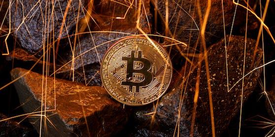 Bitcoin ist einmal mehr wegen des hohen Energieverbrauchs in die Kritik geraten. Die grösste Kryptowährung der Welt verlor in den letzten sieben Tagen deutlich an Wert.