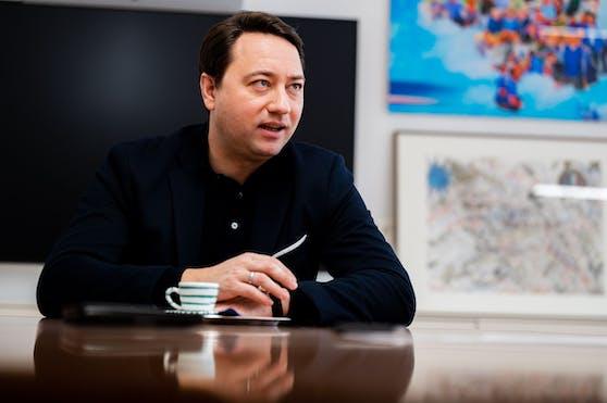 FPÖ-Chef Manfred Haimbuchner im Interview. Er fordert eine sofortige Öffnung der Wirtshäuser unter Auflagen.