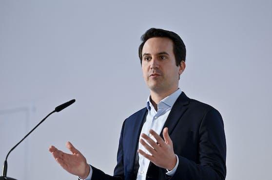 """Der Lobautunnel sorgt weiter für politische Diskussionen: Die SPÖ macht Druck auf Umsetzung, Wiens Vizebürgermeister Christoph Wiederkehr (Neos) hingegen sieht den Tunnel nicht als die """"sinnvollste Variante"""" an."""
