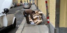 Paketlieferant wirft Pakete einfach auf den Gehsteig