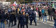 Festnahmen, Verletzte! Chaos bei Krawall-Demo in Wien