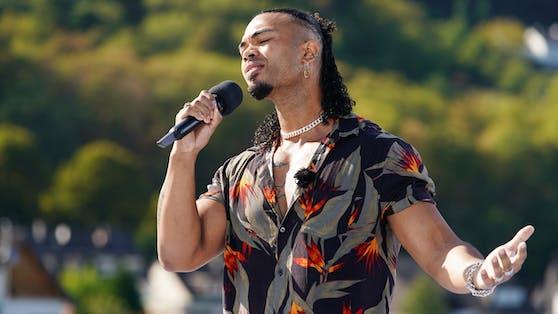 Mit seiner beeindruckenden Stimme überzeugte Talent Karl Jeroban beim Casting die DSDS-Jury auf ganzer Linie.