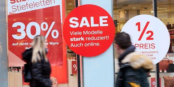 Viele Geschäfte lockten Kunden direkt nach dem Lockdown mit hohen Rabatten