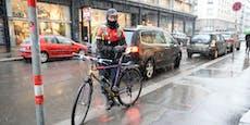 Am Gehsteig geparkt: Rad von Lieferanten eingezogen