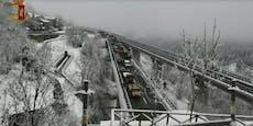 Massenkarambolage auf Autobahn in Italien – zwei Tote