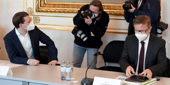 Bundeskanzler Sebastian Kurz und Gesundheitsminister Rudolf Anschober bei einem Corona-Gipfel im Bundeskanzleramt.