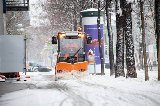 Wintereinbruch: Schneefall und Kälte sorgen in Wien für weiße Straßen. Archivbild