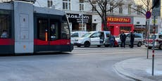 Peugeot rammt VW-Caddy vor Wiener Sexshop von hinten