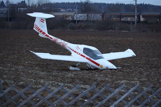 Der Pilot sowie ein Passagier blieben unverletzt.