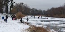 Wiener gehen leichtsinnig auf Mühlwasser Eislaufen