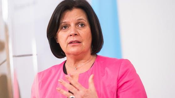 Arbeiterkammer-Präsidentin Renate Anderl im Rahmen der Pressekonferenz nach der Sitzung des Ministerrates