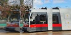 Wiener Straßenbahn in Station plötzlich ohne Strom