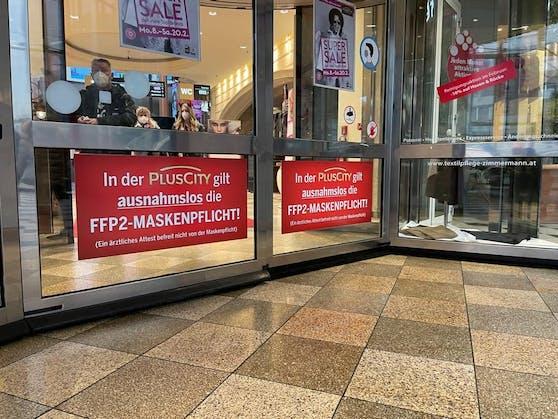 In die Plus City in Pasching kommt man nur mit FFP2-Masken.
