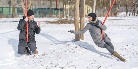 Stopp am Spielplatz: Andreas Kiendl und Romina Colerus