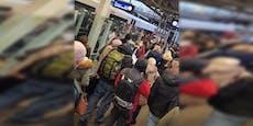 Öffi-Chaos in Mödling wegen Störung auf ÖBB-Strecke