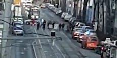 Umwelt-Demo legt Verkehr in Wien-Floridsdorf lahm