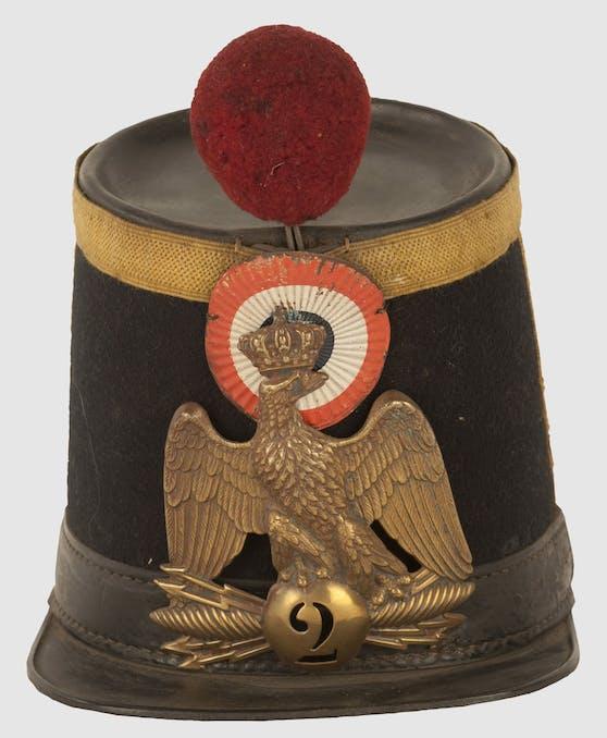 Hier sieht man einen Tschako des Voltigeurs des 2. Linieninfanterieregiments aus 1856 - nicht zu übersehen? Der Bommel!