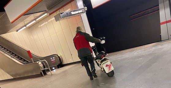 Der Mann stieg bei der Station Johnstraße in Wien aus.
