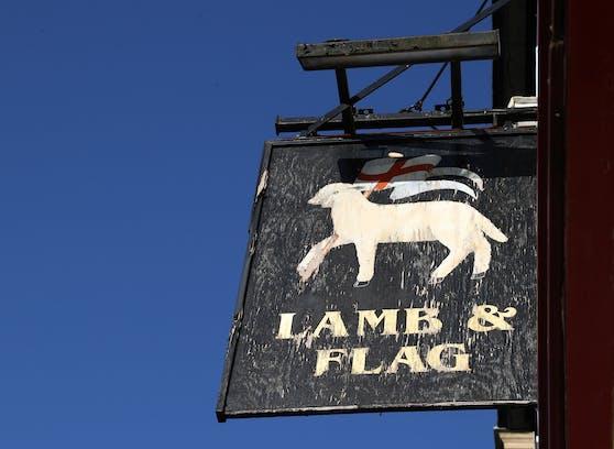 """Nach 455 Jahren, der Großen Pest und zwei Weltkriegen muss das """"Lamb & Flag"""" aufgrund der Coronakrise für immer die Tore schließen."""