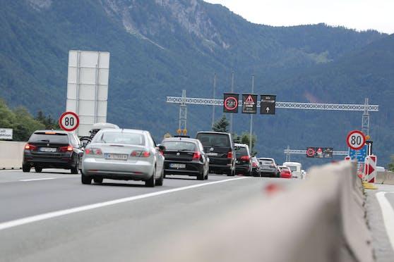Grenzübergang Salzburg Walserberg: Neue harte Einreiseregeln kommen, kein Freitesten mehr möglich -  die Quarantäne wird immer 10 Tage andauern, auch bei negativem Coronatest.