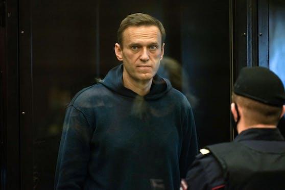 Der Europäische Gerichtshof für Menschenrechte (EGMR) hat nach Angaben des inhaftierten Kreml-Kritikers Alexej Nawalny Russland aufgefordert, ihn sofort freizulassen.