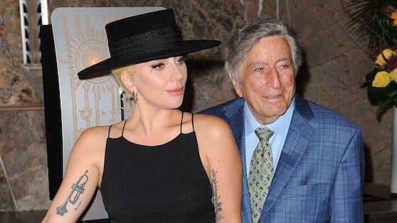 """Tony Bennett und Lady Gaga standen 2014 für ihr """"Cheek to Cheek""""-Album gemeinsam im Tonstudio. Das Nachfolgewerk soll in diesm Frühjahr erscheinen."""