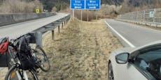 Mann fuhr mit Fahrrad auf Autobahn zu McDonald's