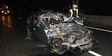 Kleines Wunder! Auto zerfetzt, Lenker (28) überlebt