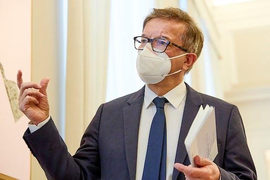 Gesundheitsminister Rudolf Anschober (Grüne) mit FFP2-Maske