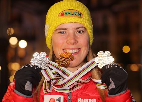 Katharina Liensberger holte zwei Mal Gold und ein Mal Silber.