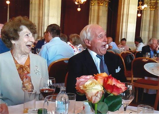 Das Floridsdorfer Ehepaar bei der Feier ihrer Kronjuwelen-Hochzeit im Wiener Rathaus Anfang 2020.