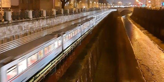 U-Bahnlinie U4 mit Blick Richtung Gürtel und Längenfeldgasse
