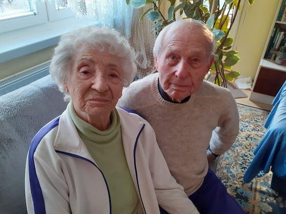 Das Wiener Ehepaar Maria und Franz S. zählen zur Hochrisikogruppe. Impftermin haben sie aber bislang noch keinen bekommen.